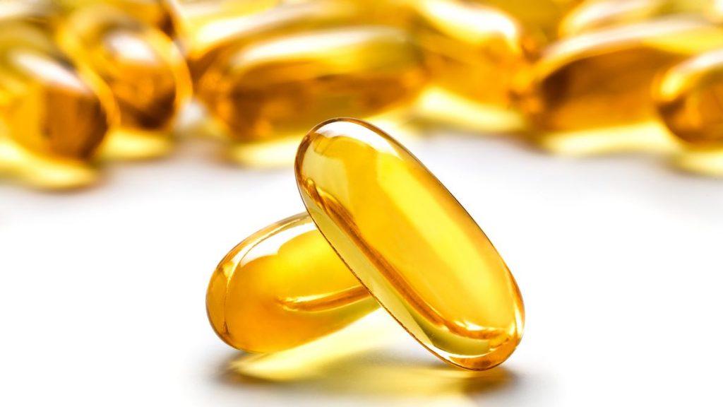 تعد الدهون الجيدة التي يطلق عليها الدهون غير المشبعة و خصوصا الأوميغا 3 المواد الأولية لبناء الهرمونات الجنسية داخل جسم الإنسان