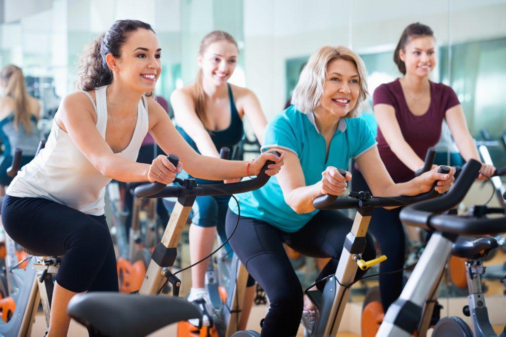 فالأشخاص الذين يمارسون الرياضة لديهم صورة محسنة عن أجسامهم بشكل لأكبر من الأشخاص الذين لا يمارسون الرياضة