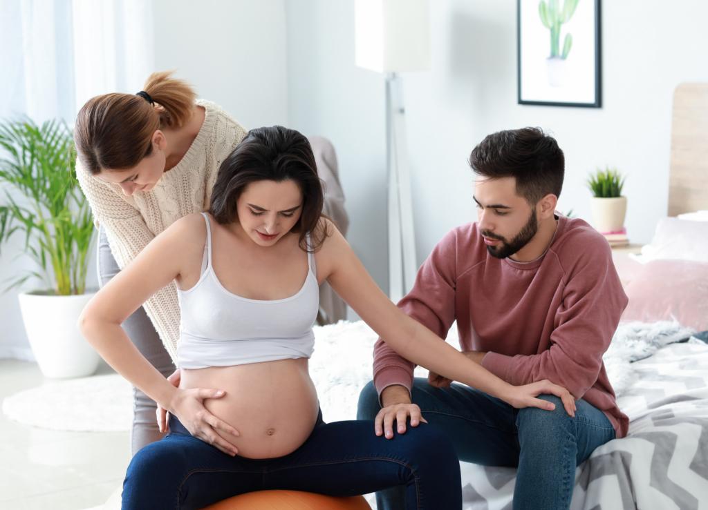 الجدول الزمني لممارسة الجنس بعد الولادة لستة أسابيع محدد جيداً ، لكننا لم نتمكن من العثور على أدلة تدعمه