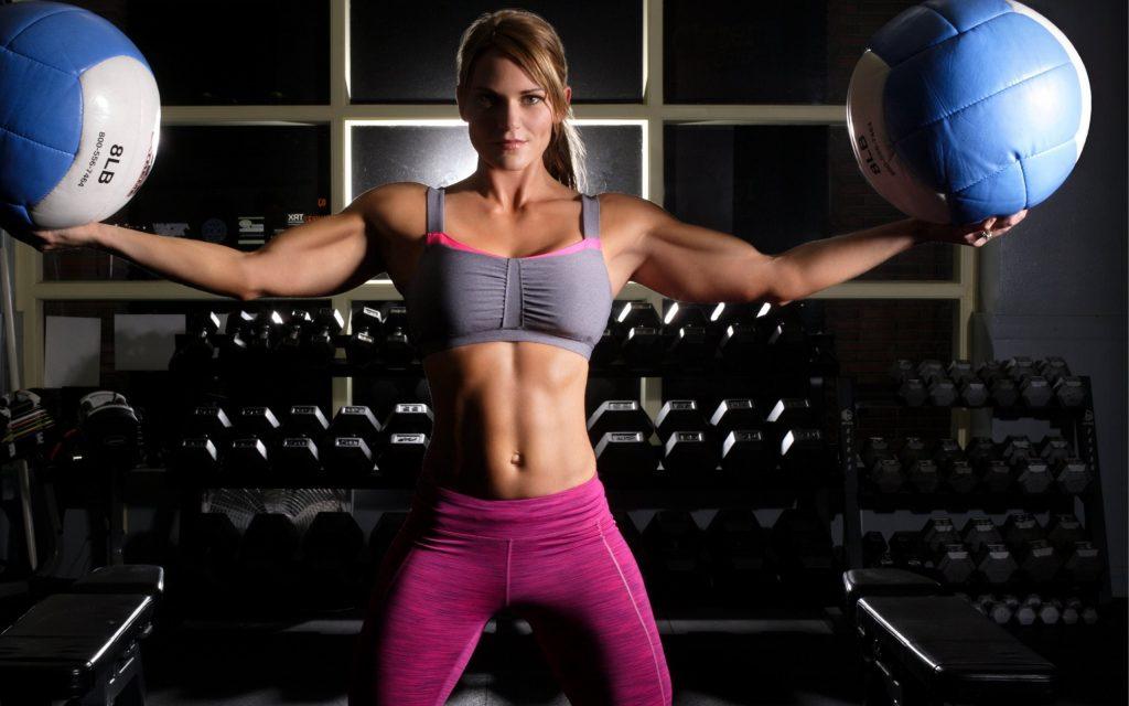 تقوم التمرينات الرياضية بإطلاق و تحرير هرمون الأندورفين الذي يعطي شعوراُ بالسعادة و الابتهاج .