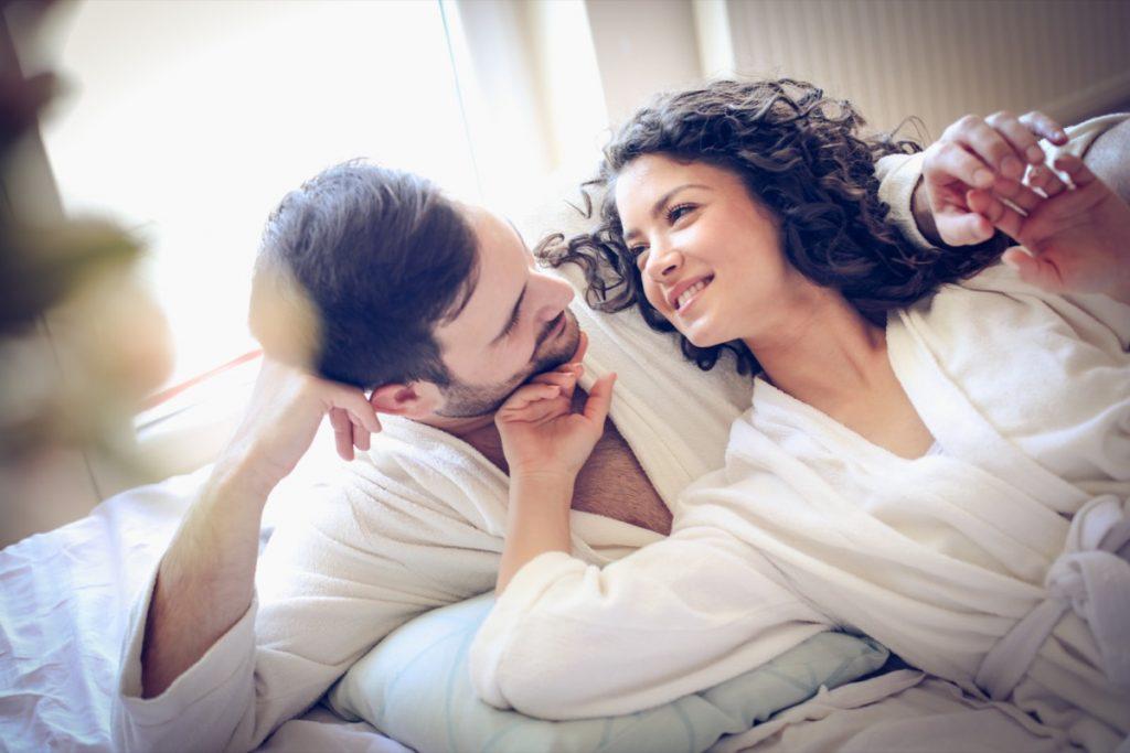 أظهرت دراسة أخرى أن الرجال والنساء الذين كانوا أكثر لياقة بدنية  كانوا قد قدروا أن أداءهم الجنسي كان أعلى .