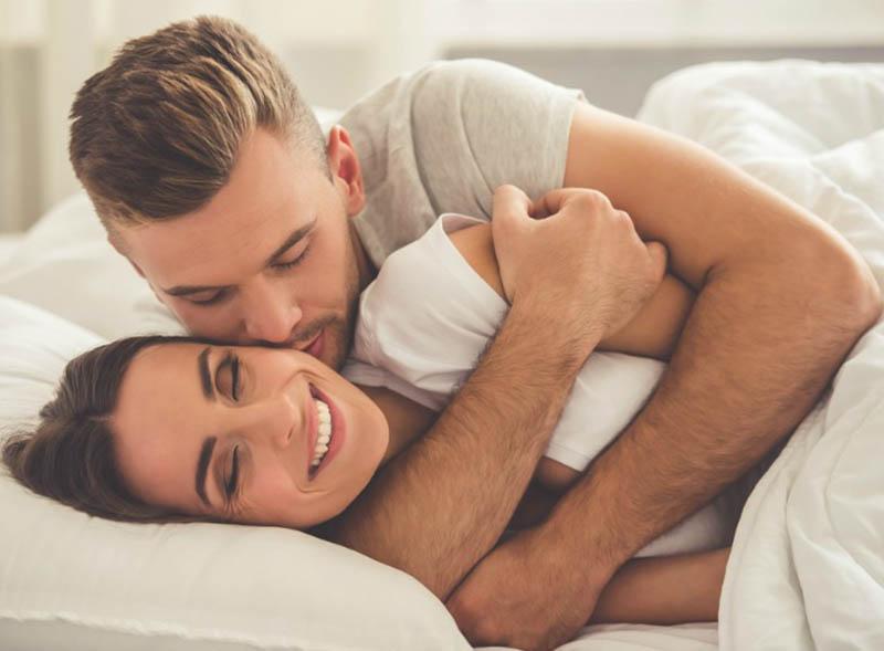 إذا كنتما تريدان حقاً أن تكون علاقتكما الجنسية على أحسن ما يمكن أن تكون عليه، فيجب أن تأخذ الوقت الكافي للتحدث مع بعضكما البعض