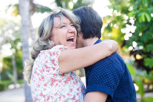 وكانت النتيجة التي توصل إليها الباحثون أن هناك نسبة كبيرة من النساء بلغت 65.3% لديهن شريك رومانسي